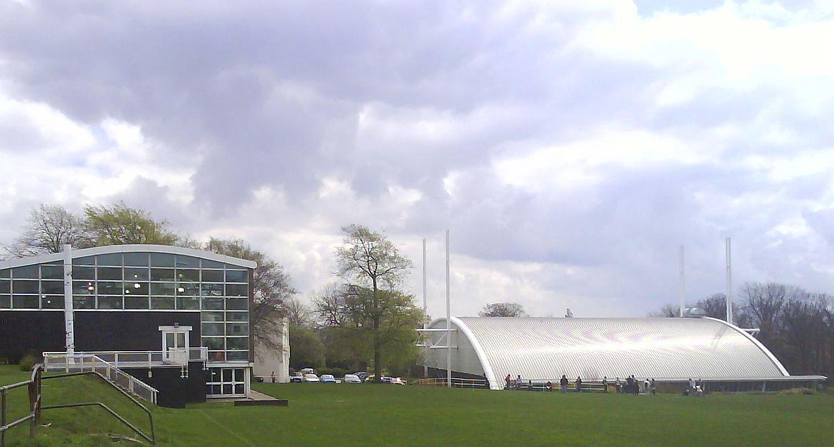 游泳馆与运动中心