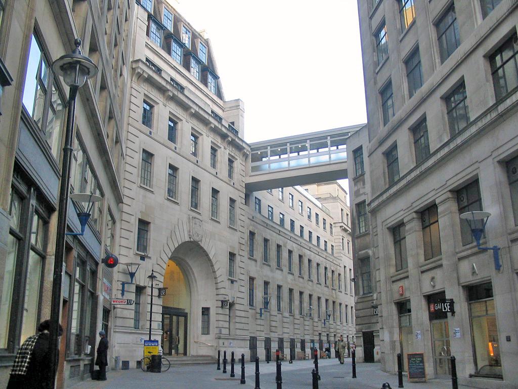 伦敦政经的老式建筑