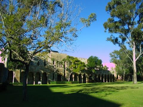 昆士兰大学2014年起试行接受中国高考成绩