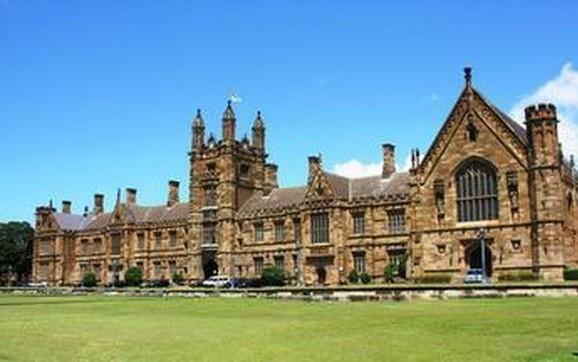 2014年悉尼大学商学院预科班就读要求
