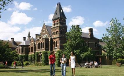2014年澳大利亚墨尔本大学预科应该怎么申请