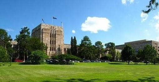 澳大利亚昆士兰科技大学有预科或者是语言课程吗