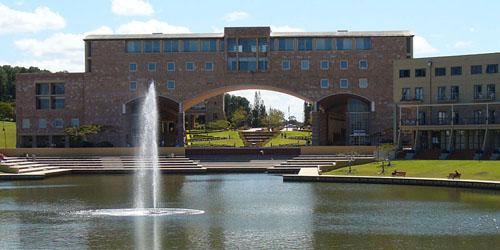 邦德大学世界排名