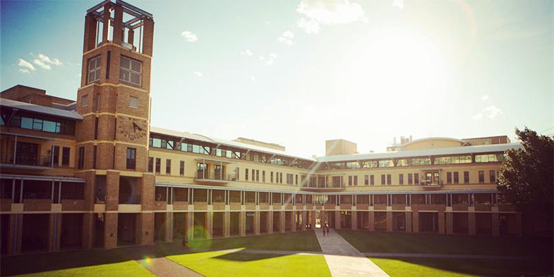 新南威尔士大学又火了一把 总理夫人来授课