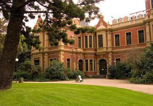 澳洲西澳大学学费