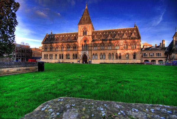英国艺术专业留学费用明细 名校学费大起底