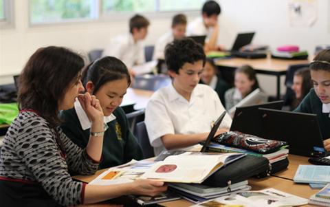 澳洲留学翻译专业怎么样?三大推荐院校汇总