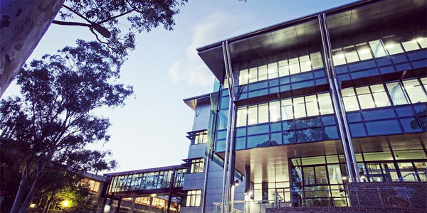澳大利亚卧龙岗大学学费要多少