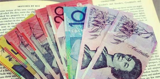 澳洲留学生们看过来 最高7000澳币奖学金拿走不谢