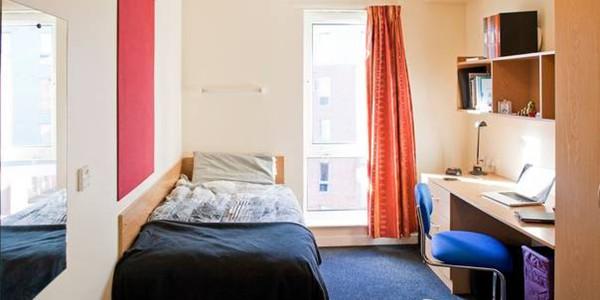 英国留学 最安全的住宿方式是什么?