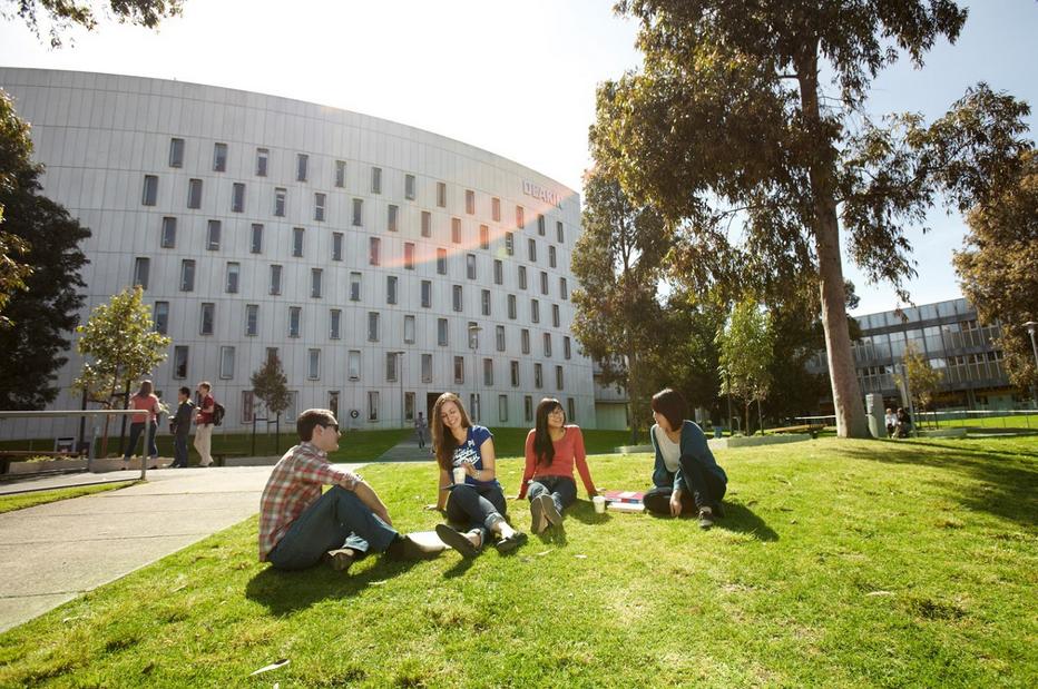 迪肯大学澳洲排名详细介绍  澳洲顶尖优势大学不容错过