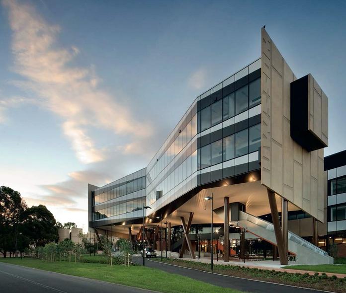 2018昆士兰科技大学研究生学费汇总一览  7大学院学费早知道