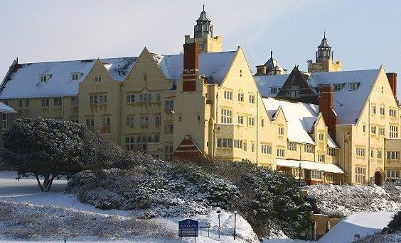 英国纽卡斯尔大学商学院:英国最大历史最悠久的学院