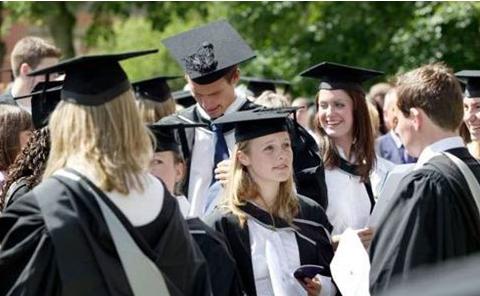 圣安德鲁斯大学申请时间是什么时候?苏格兰的第一所大学!