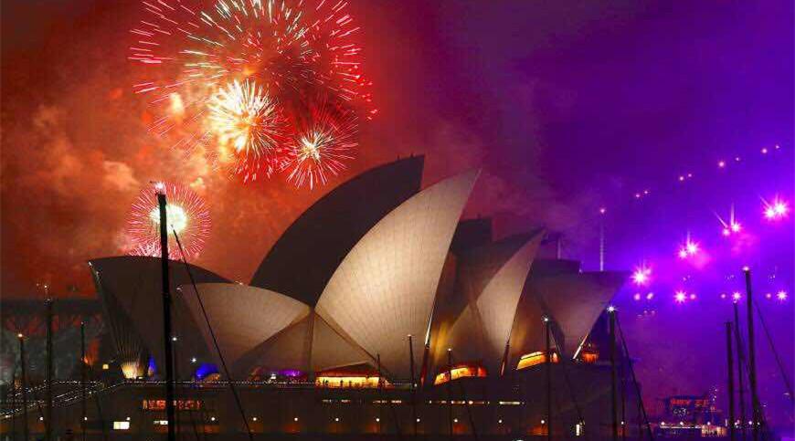 澳洲留学,澳洲留学必做的事,澳洲冲浪