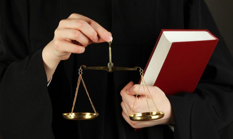 英国法律本科留学申请:教育体系与院校解析