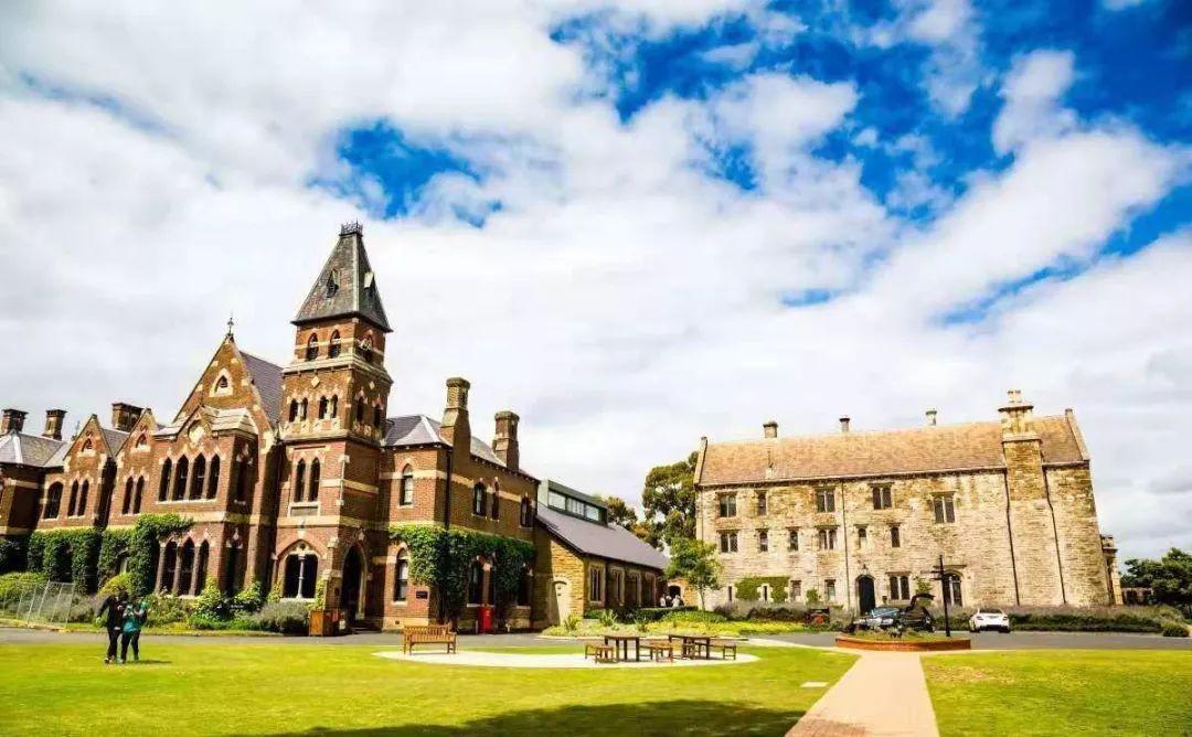 国际高中申请澳洲本科:申请方式推荐直接入读