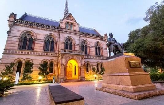 读完澳洲的本科怎么申请澳洲研究生?直升非常便捷