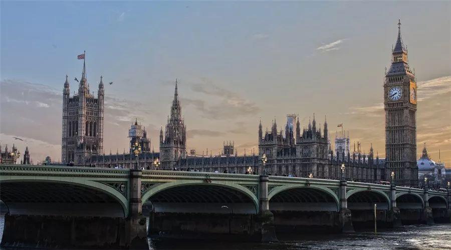 在英国留学,哪些好吃不贵的米其林一星餐厅值得留学生打卡?