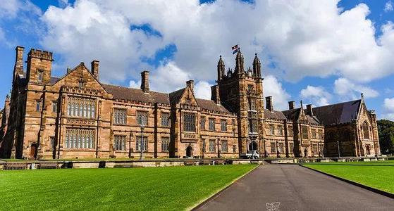 澳洲国立大学本科与硕士一年学费