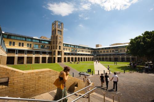新南威尔士大学研究生学制是几年?