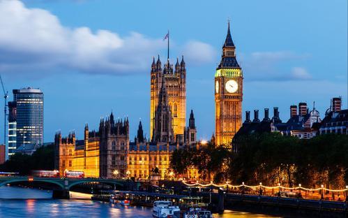 英国大学本科留学费用是多少?