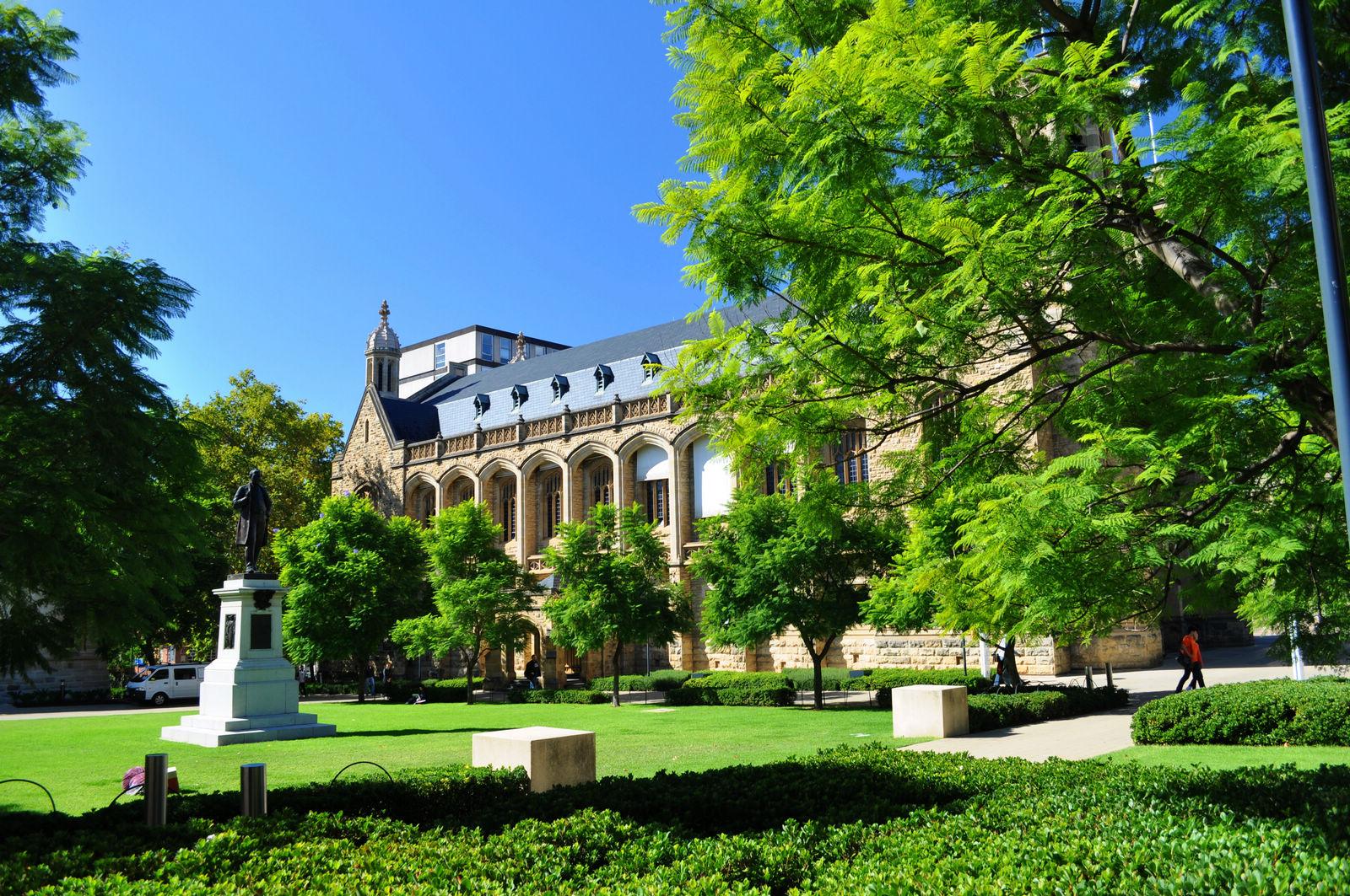 澳洲留学本科与硕士学制介绍:你需要读几年?