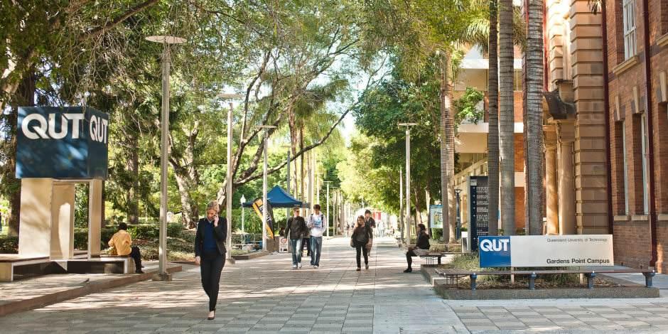 昆士兰科技大学本科几年?申请条件高吗?