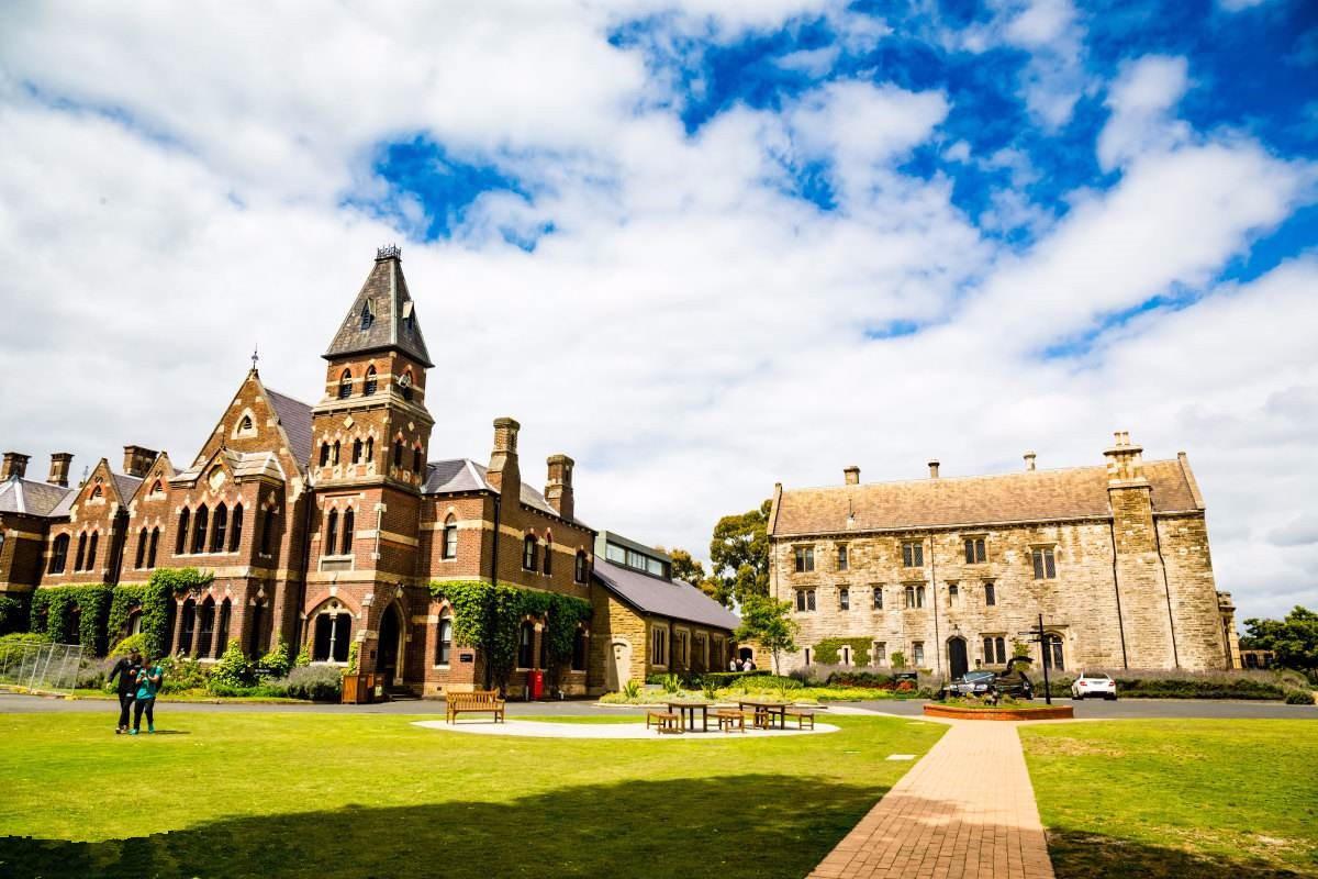 墨尔本大学本科留学条件:注意不接受高考成绩!