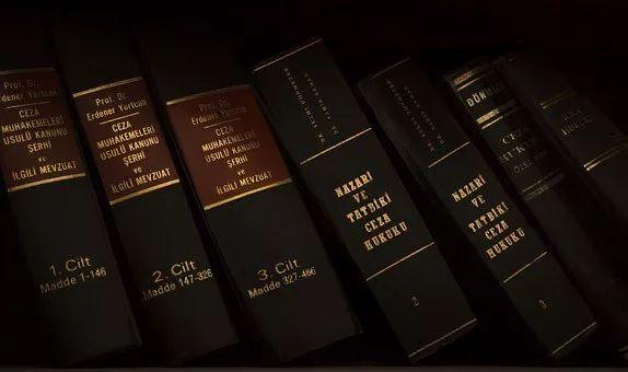 在这所澳洲大学读法律,全是开卷考试,你是认真的嘛?