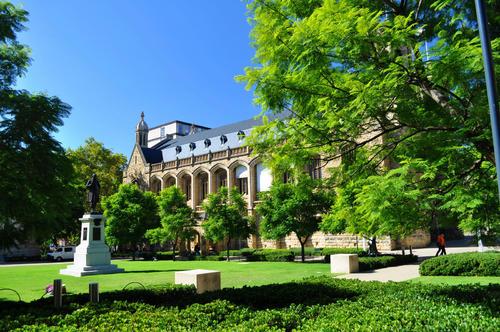 澳大利亚留学大学排名:QS前百名的学校是这些!