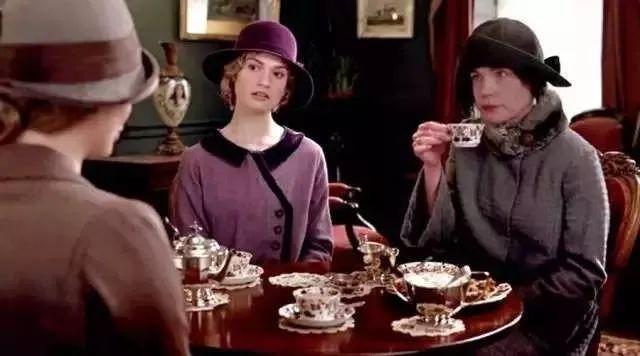 想体验《唐顿庄园》式的优雅生活?这几家下午茶店值得假期打卡!