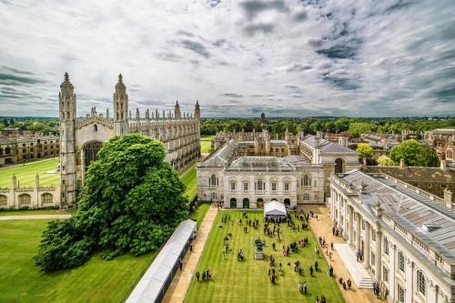 英国大学泰晤士报最新专业排名:这些大学的专业位列全英第一