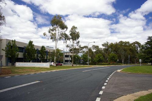 澳洲澳国立大学本科上几年?