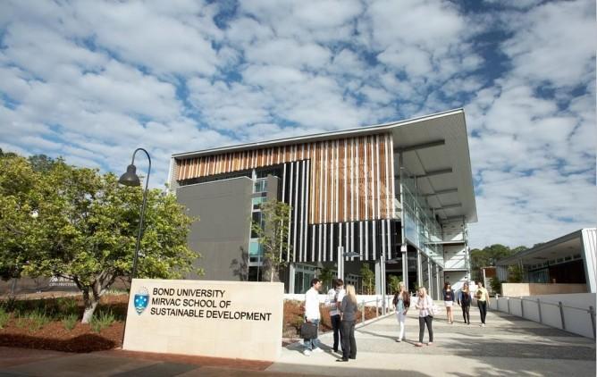澳洲邦德大学研究生要读几年?