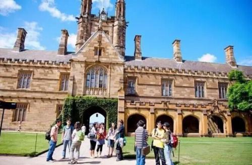中国高二学生能申请澳洲大学吗?可以考虑攻读本科预科