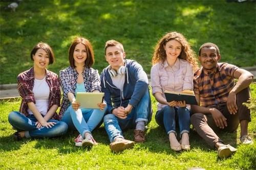 留学澳大利亚,有哪些开设专升本课程的大学?