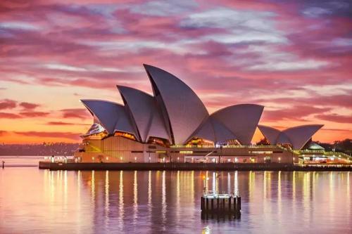 澳洲八大2021年度资讯,算算能省多少钱?!