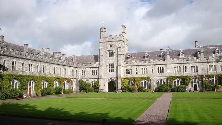 2021年爱尔兰考克大学世界排名及申请条件